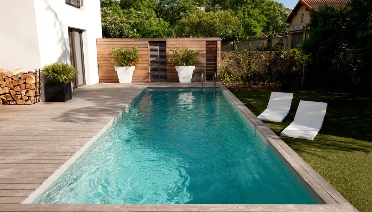 Swimmingpool im Garten Köln